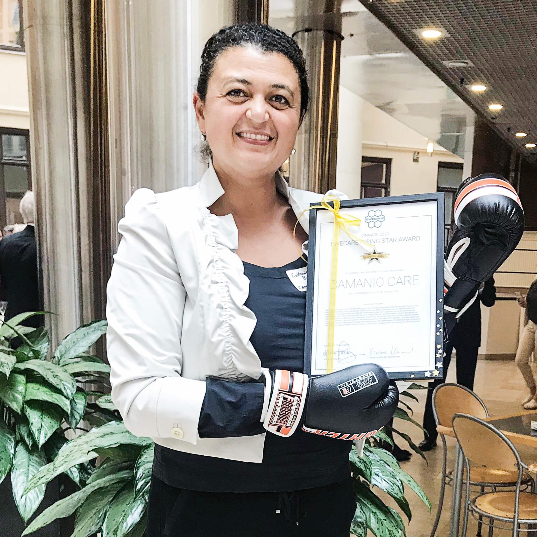 Camanio Care VD Catharina Borgenstierna med diplom från Swecare Rising Star Award